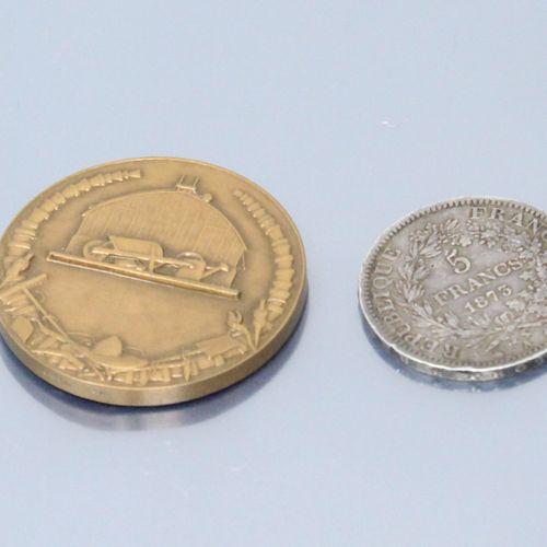 Lot comprenant :   5 francs Hercule en argent (1873 A)   Médaille, Monnaie de Pa…