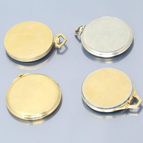 Lot de quatre montres de gousset en or jaune et gris 18k (750), cadrans beiges e…