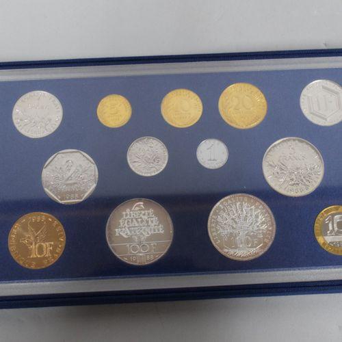 Ensemble de boite FDC monnaie de Paris composé de :   100 Francs Panthéon (1988,…