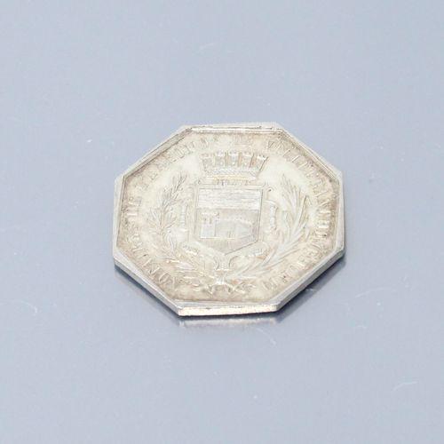 Jeton octogonal en argent des Notaires de VILLEFRANCHE.  Avers : la Justice assi…