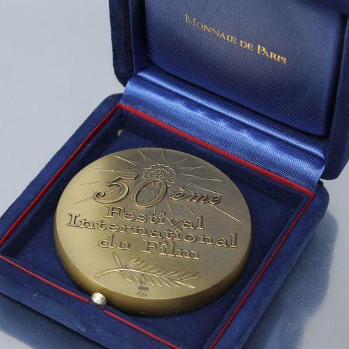 MONNAIE DE PARIS  Médaille en bronze pour le 50ème festival international du fil…