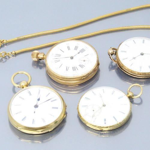 Lot de trois montres de gousset en or jaune 18k (750).  Diamètre :47(x2), 43 et …