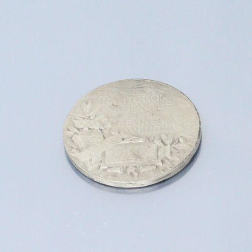 Médaille de table en argent.  Avers : Valentin Haüy 1745 1822 buste de profil dr…