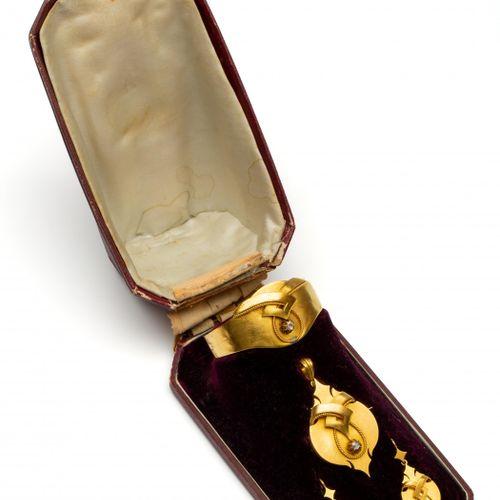 14krt. Gouden demi parure, ca 1860 1880, consisting of a stiff bracelet, a brooc…