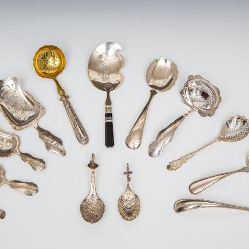 Collectie diverse strooi , natfruit en andere opdienscheppen, 19e/vroeg 20e eeuw…