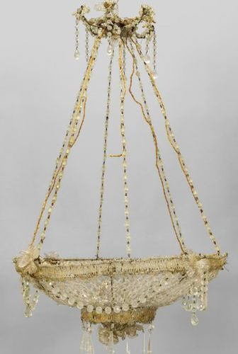 OGGETTISTICA Basket chandelier with rich decoration in beads and glass sec.XIXdi…