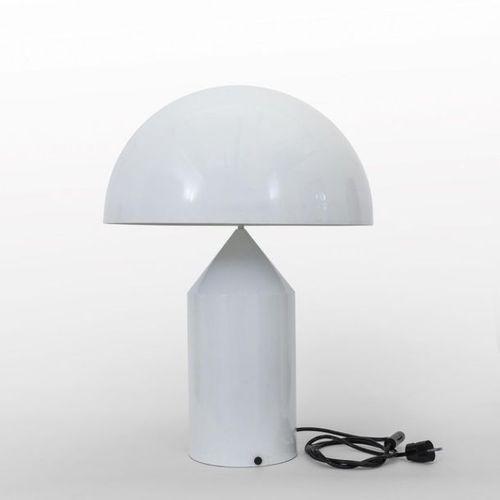 """MAGISTRETTI Vico VICO MAGISTRETTI Une lampe de table """"Atollo"""" pour O LUCE 1977 (…"""