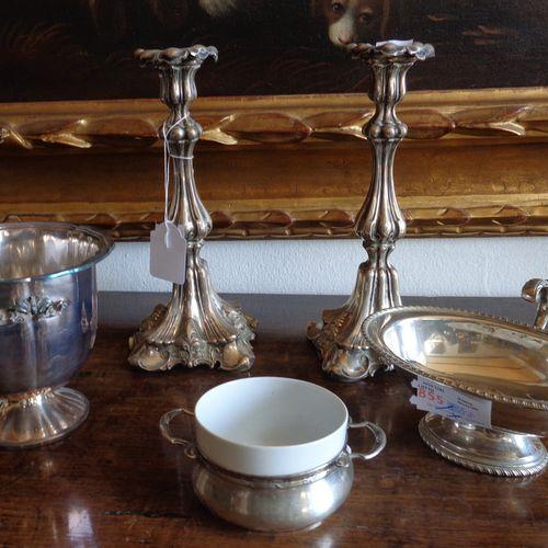 OGGETTISTICA Coppia di candelieri in argento e vari oggettini in argento (gr.Tot…
