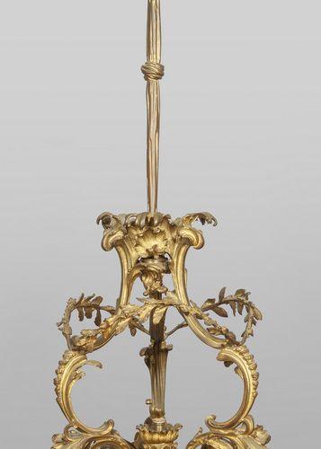 OGGETTISTICA Lampadario in bronzo a sette luci diam. Cm. 50 x h. 116