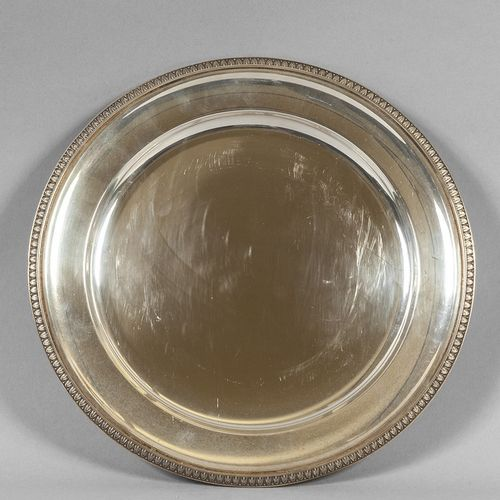 OGGETTISTICA Plat rond en argent avec bord décoré de palmettes diam.Cm.29 gr.610