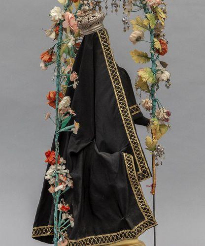 OGGETTISTICA Notre Dame des Douleurs avec couronne en métal argenté sculpture en…