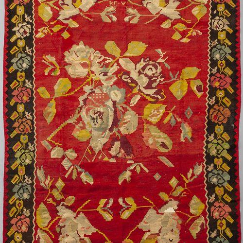 TAPPETO Grand tapis à fond rouge avec décoration de roses et bordure sombre s.To…