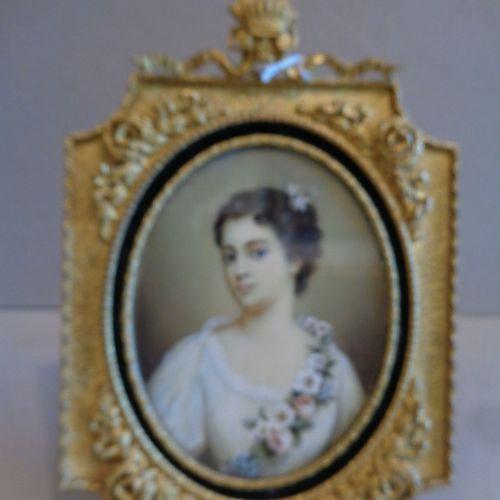 OGGETTISTICA Jeune fille avec guirlande de fleurs miniature ovale f.Ta à c. Et d…