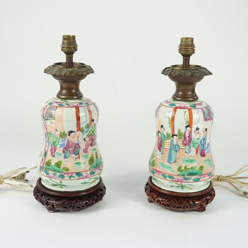 Porcelaine de Bayeux, Période Gosse. Pair of enamelled porcelain lamps with Chin…