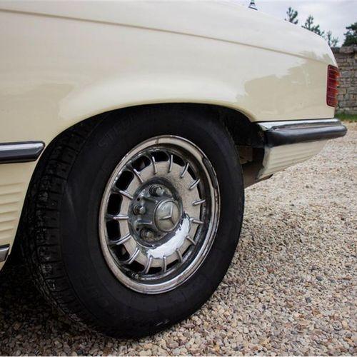 1977 MERCEDES BENZ 450 SL Numéro de série 10704412041643  Modèle recherché en V8…