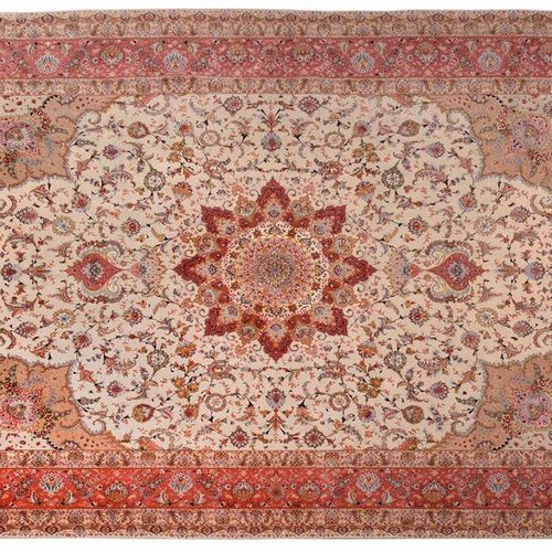 Exceptional and very fine Tabriz (North West of Iran ) circa 1985 High quality l…