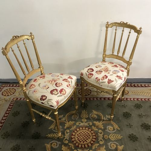 Pair of Flying Chairs in gilded wood  Folder with bars and knot. Floral tapestry…