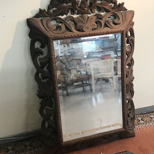 Venetian MIRROR with evenly framed frame  BE  98 x 70 cm    A carved wooden mirr…