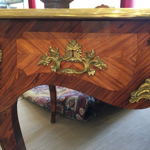 OFFICE FLAT in veneer wood and marquetry all sides opening by three drawers in b…