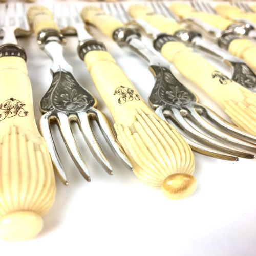 Continuation of SEIZE FISH SERVICE COVERS and a fish service cutlery in English …