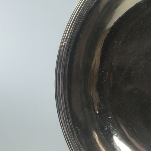 Hollow flat silver plate with circular moulded edge. Hallmark Minerve Master Gol…