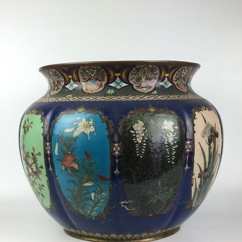 JAPAN Large cloisonné copper planter with melon ribs, polychrome decoration enam…