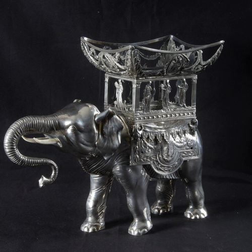 IMPORTANT ELEPHANT, FORMING BUCKET OR TABLE CENTER, in silver, in the 800 thousa…