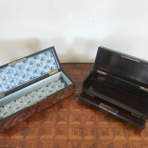 Set of two glove boxes  in veneer and inlay  One key.  Damage and missing parts …