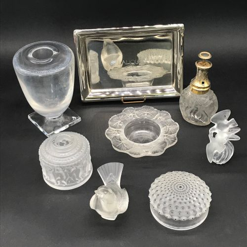 LALIQUE  Lot including: a box lid cactus model, a sparrow (accidents and glued b…