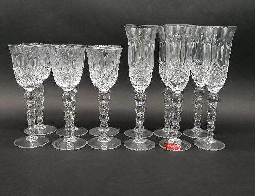 Carafe H.24 cm et six verres à vin H.19 cm  Seau à Champagne H. 25 cm et six flu…