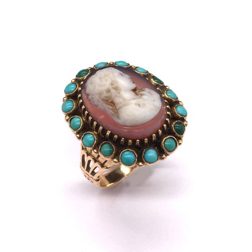 RING holding a cameo on agate presenting a woman in profile in a turquoise caboc…