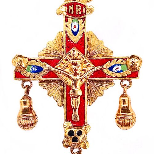 PENDANT in the shape of a cross presenting Christ crucified in a red, blue, gree…
