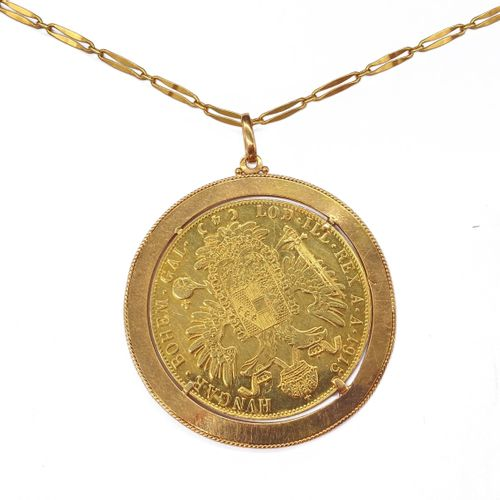 PENDANT in 18K yellow gold holding a gold coin with an emperor profile. Accompan…