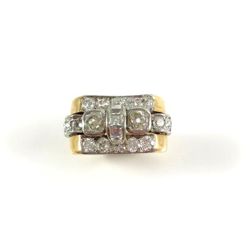 TANK RING with a tray composed in its center of two old cut diamonds and a line …