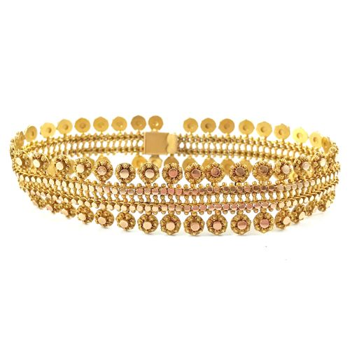 BRACELET with lace decoration. 18K yellow gold setting (missing). Length : 18 cm…