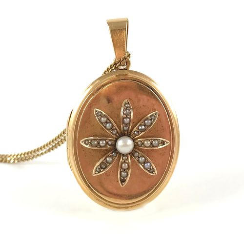 PHOTO HOLDER PENDANT decorated with a flower holding white pearls (not tested). …