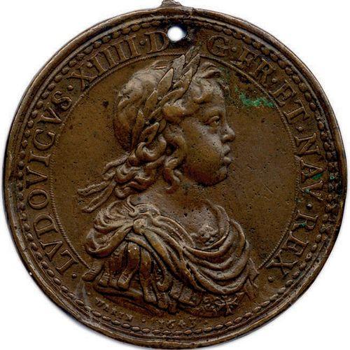 MEDAILLE EN BRONZE DE LOUIS XIV ET ANNE D'AUTRICHE DU GRAVEUR JEAN VARIN 1643. •…