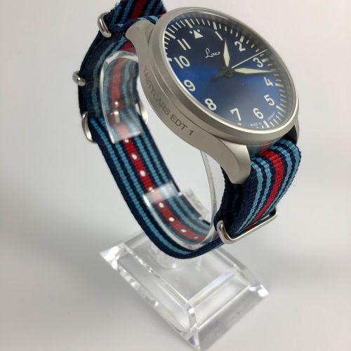 LACO Réédition de 2018 de la Lufftwaffe vers 1940 Belle et grande montre bracel…