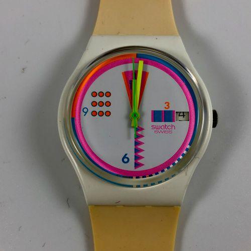 """特警队 约1991年。 参考文献: GW403。 手表型号 """"Geoglo""""。 石英机芯。 崭新的状态,原盒。 直径:34毫米。 为了更好地保存,购买时将电池取…"""