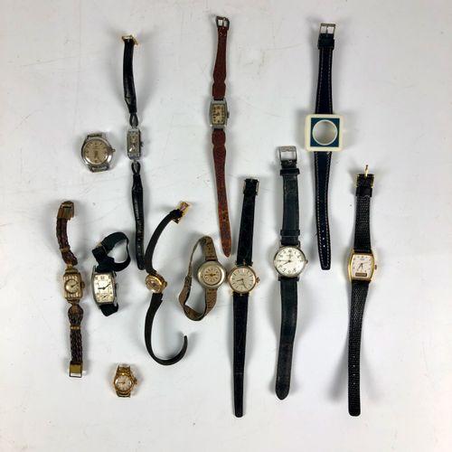 很多女式手表,不能使用,要进行维修。(9)