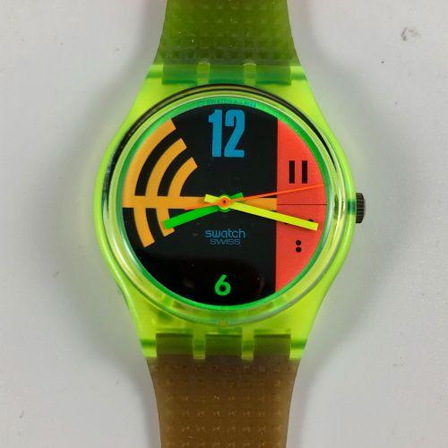 """SWATCH Vers 1990. Réf: GJ102. Montre bracelet modèle """"Hang Twelve"""". Mouvement qu…"""