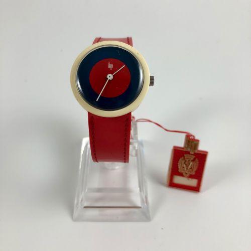 LIP Michel Boyer Vers 1976. Réf: 305XXX. Montre bracelet en plastique, boitier r…