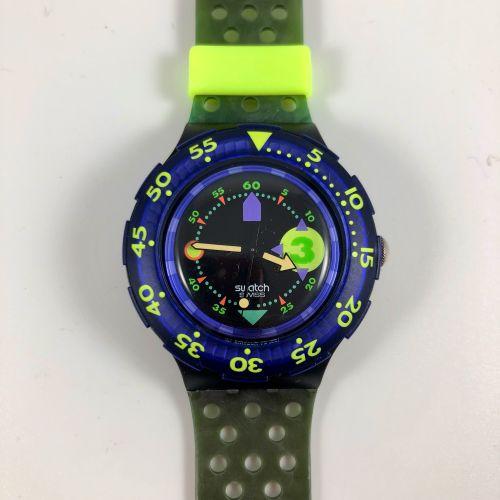 """SWATCH  Vers 1991.  Réf: SDB101.  Montre bracelet type scuba modèle """"Captain Nem…"""