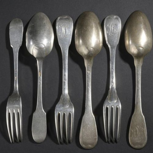 Set of three silver cutlery in net and uniplat models (impact and deformation). …
