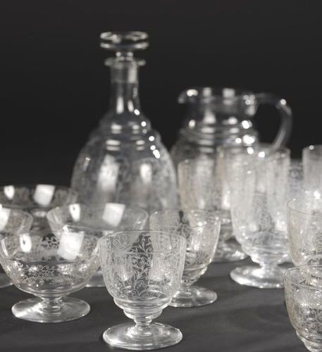 """BACCARAT. Glass service part in crystal glass model """"Lulli"""" with engraved scroll…"""