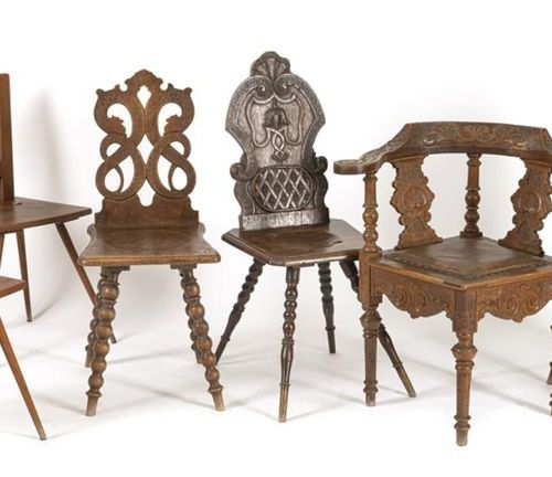 5 BOARD CHAIRS, DESK. CHAIR, AMONG OTHERS, END OF 19TH CENTURY H. 81/85 CM