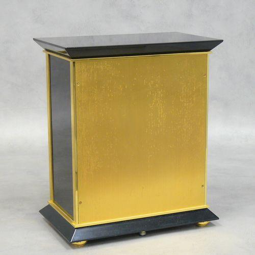 JAEGER LE COULTRE JAEGER LE COULTRE:Royale型空气钟,黑色漆面外壳,罗马数字放射状表盘,签名、指定和位于瑞士,编号在59…