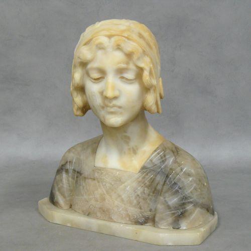 Buste de jeune fille en albâtre H 34,5 cm L 32 cm