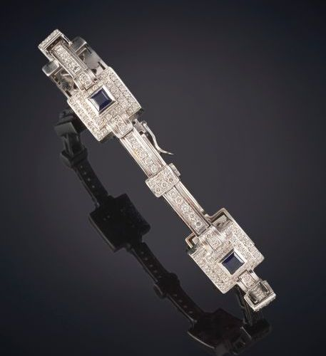 BEAUTIFUL BRACELET, ART DECO STYLE, RHINESTONES WITH SAPPHIRES. Formed by square…