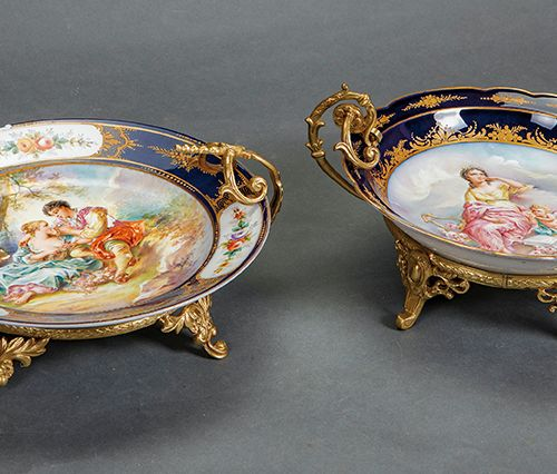 Set of two decorative plates in porcelain of Sévres in blue cobalt with details …